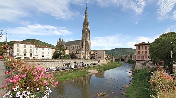 Saint affrique ville aux 7 collines l 39 tape du larzac for Piscine saint affrique